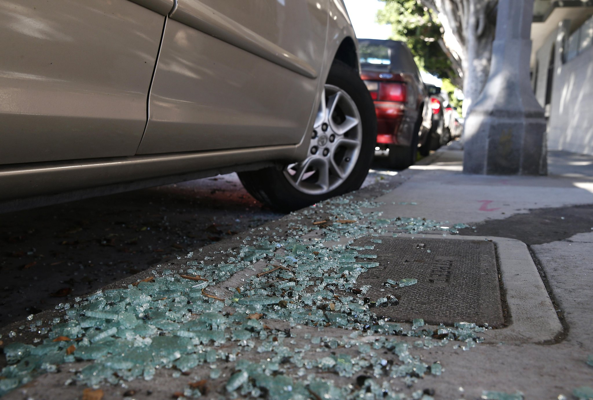 San Ramon Car Glass Smashed - Break-ins Change Auto Glass